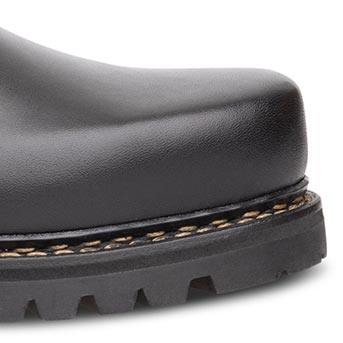 Kantige Schuhspitze beim Haferlschuh